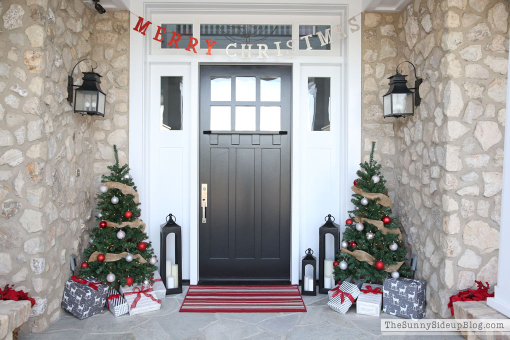 craftsman-christmas-porch-sunny-side-up