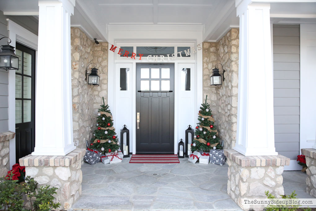 (*affiliate links used) craftsman-front-porch-christmas & Christmas Front Porch - The Sunny Side Up Blog