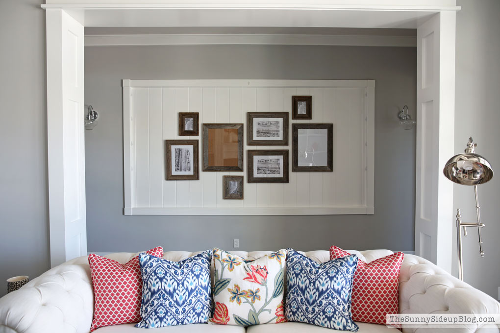 custom-pillows-wooden-frames