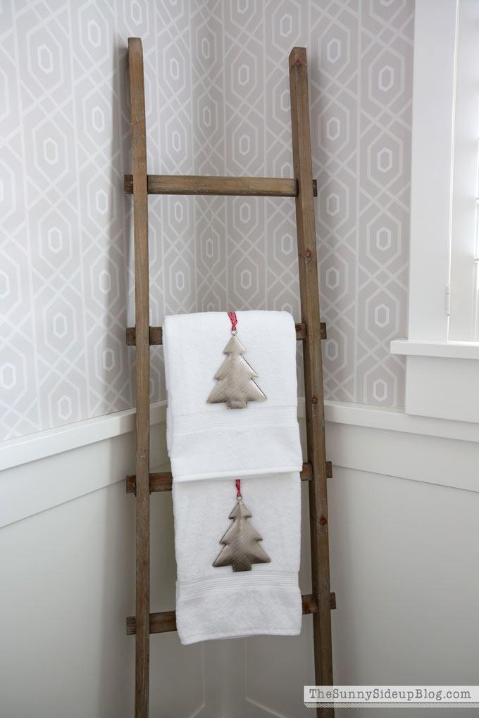 Christmas powder bathroom 12 days of holiday homes the - Decorative ladder for bathroom ...
