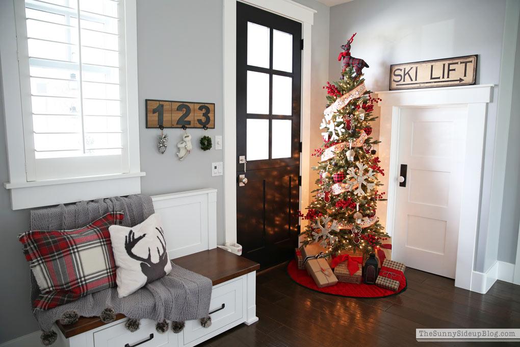 deer-ski-christmas-tree