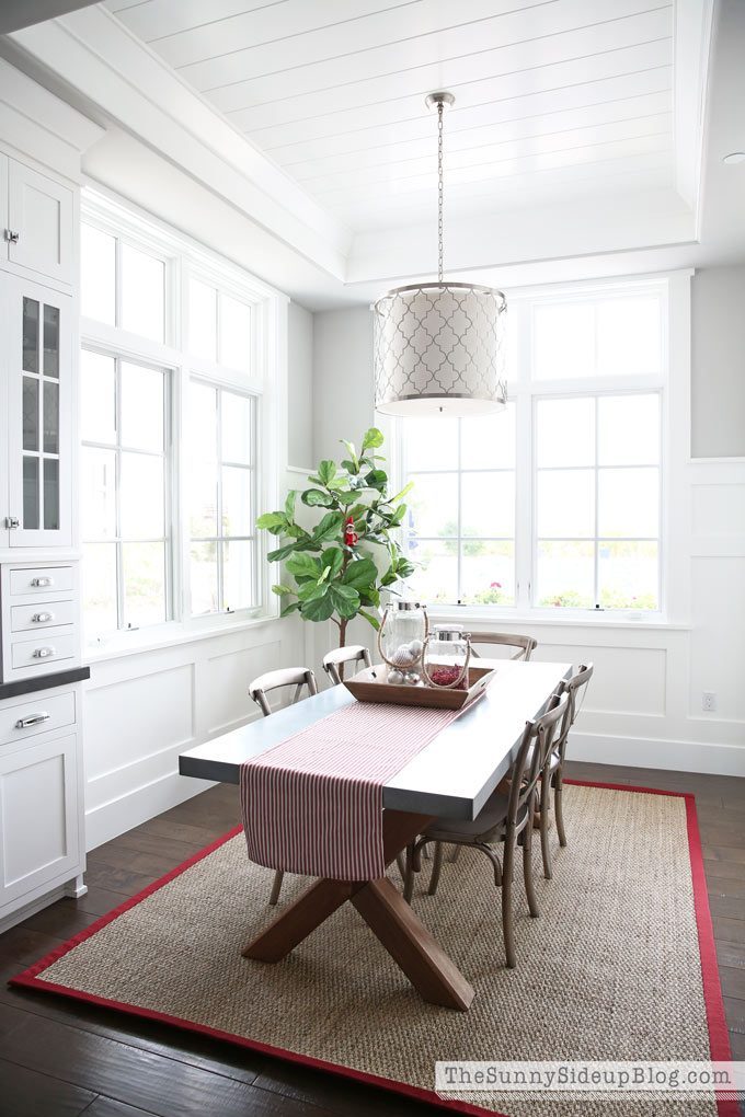 dining-room-nook-planked-ceiling