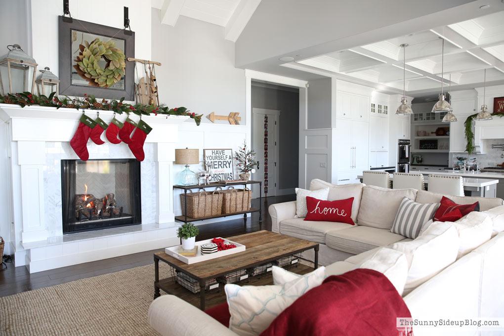 family-room-christmas-decor-sunny-side-up-blog