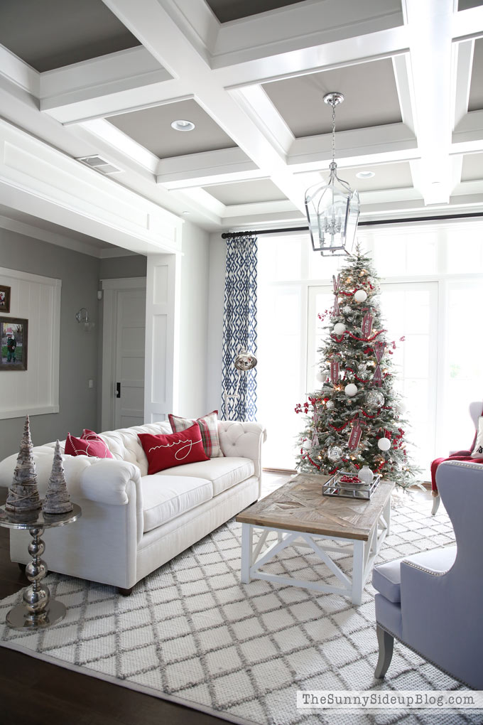 formal-living-room-christmas-19