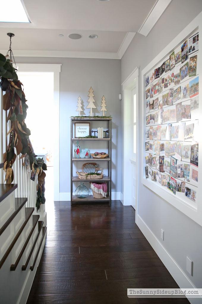 hallway-christmas-shelf