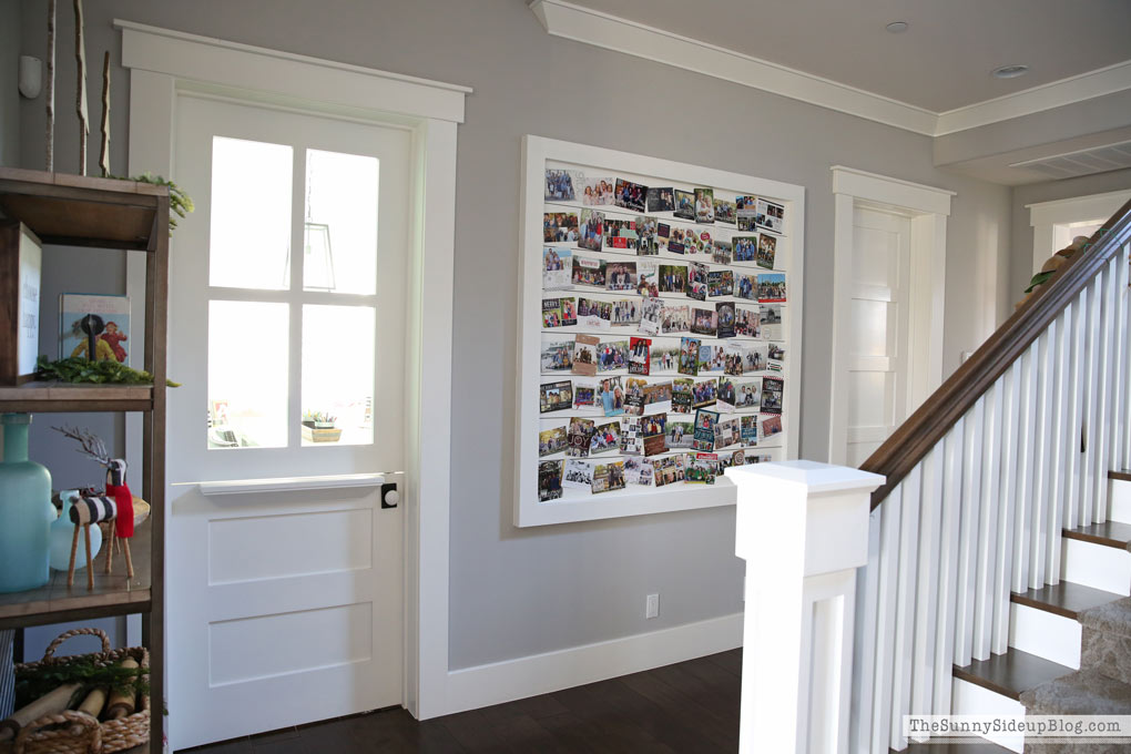 hallway-planked-christmas-card-wall