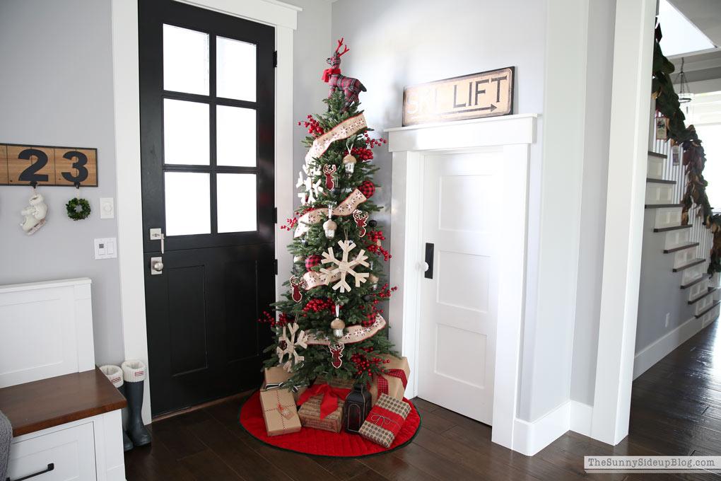 mudroom-christmas-decor-sunny-side-up