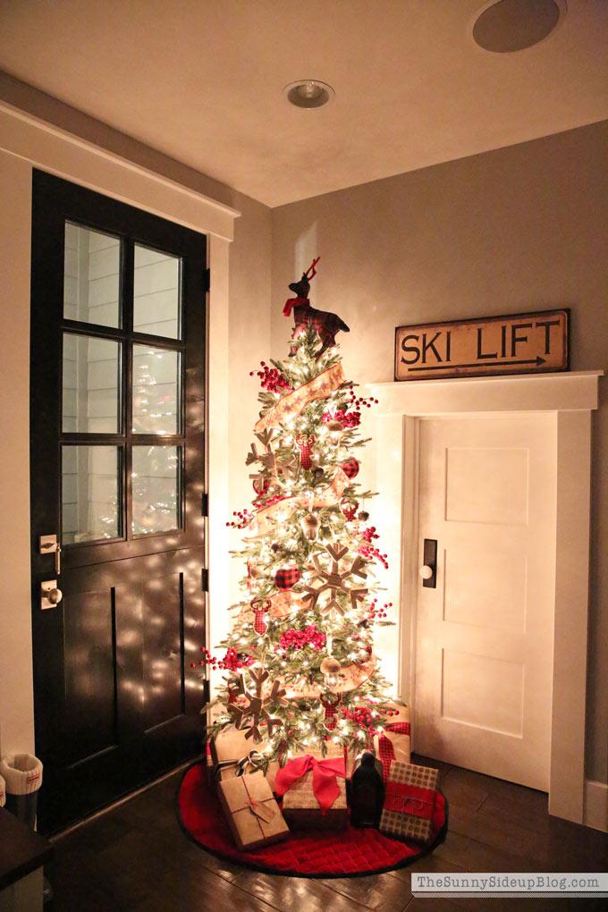 mudroom-christmas-snowflake-mudroom-tree