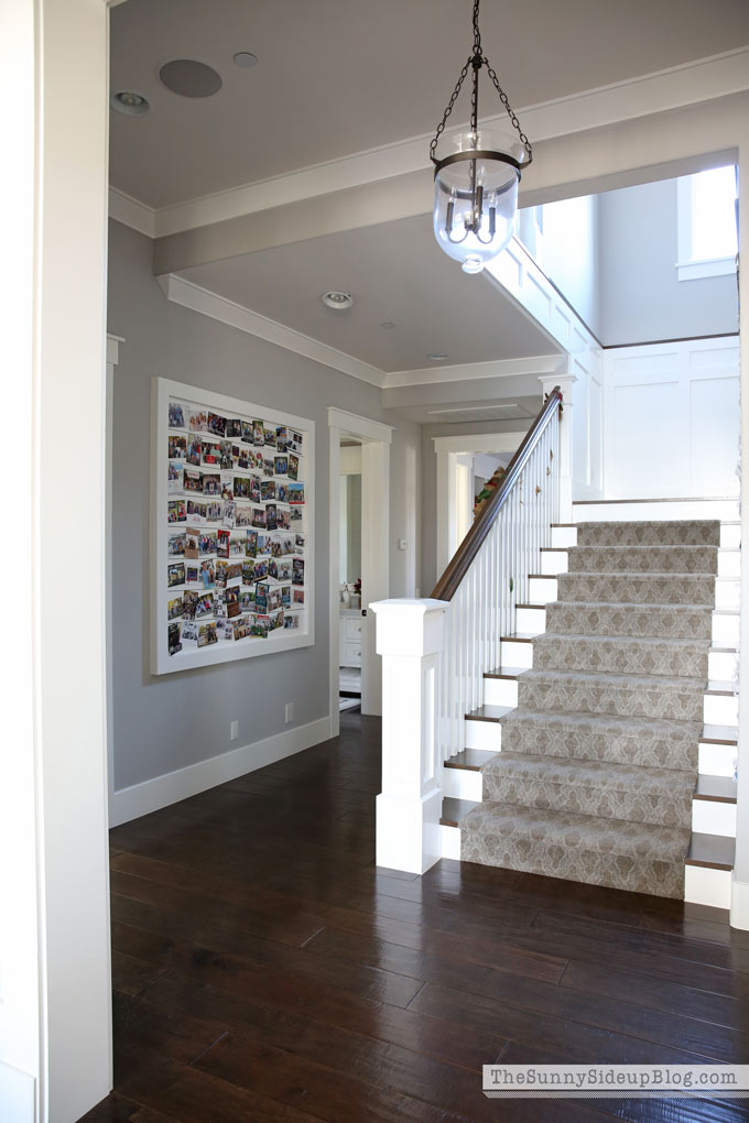 planked-hallway-card-display