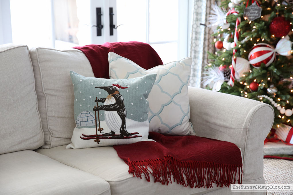 pottery-barn-christmas-pillows