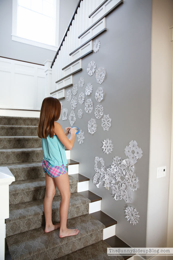 snowflake-wall