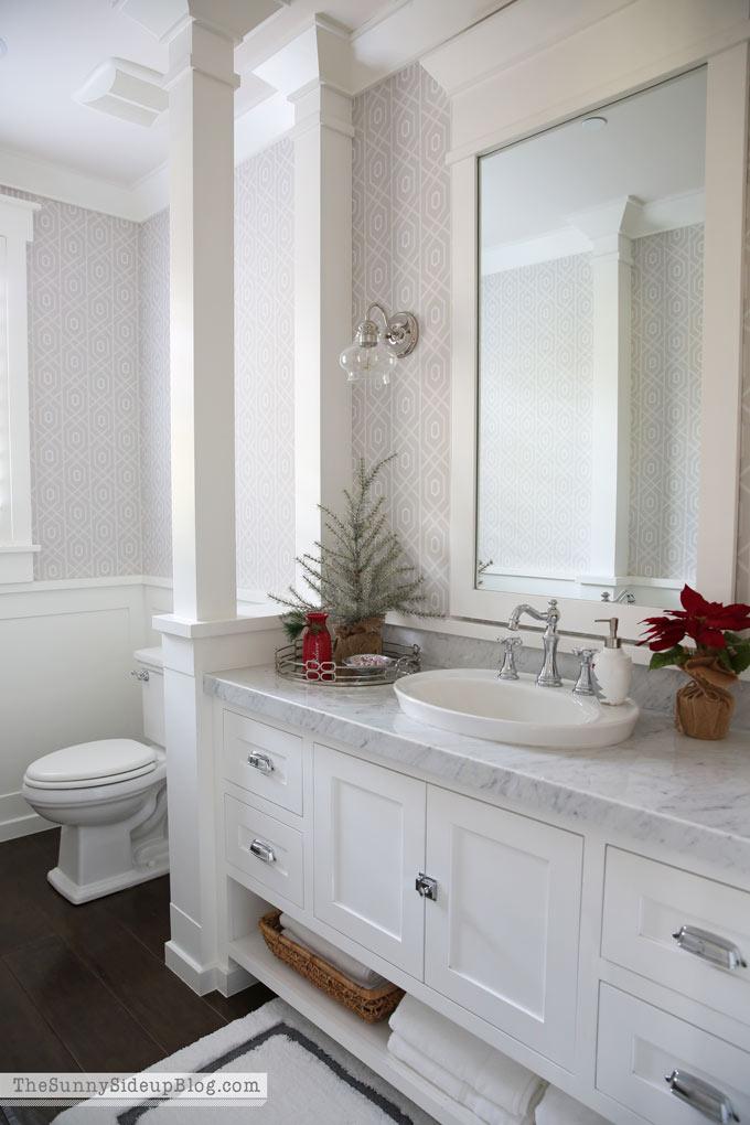 sunny-side-up-christmas-bathroom