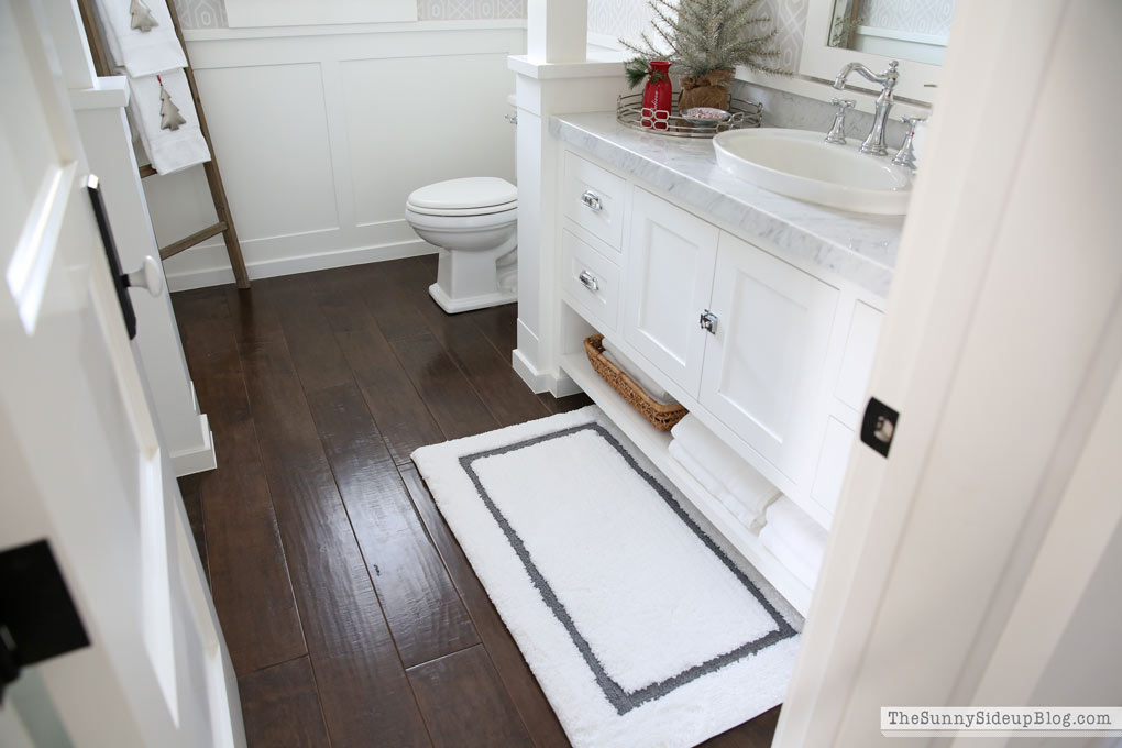 wide-plank-wood-floors