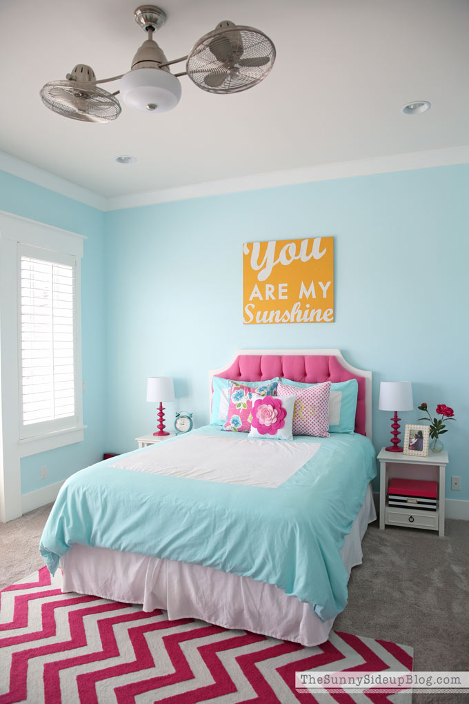 Pink And Aqua Blue Preteen Girls Bedroom