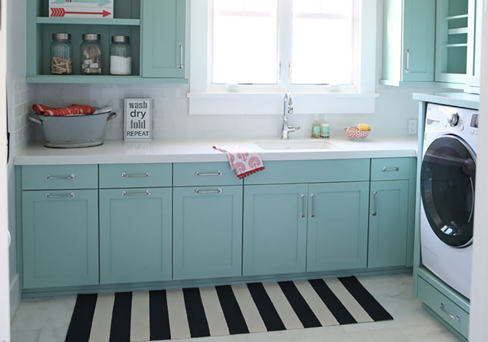 Decorated and Organized Laundry Room (with color!)