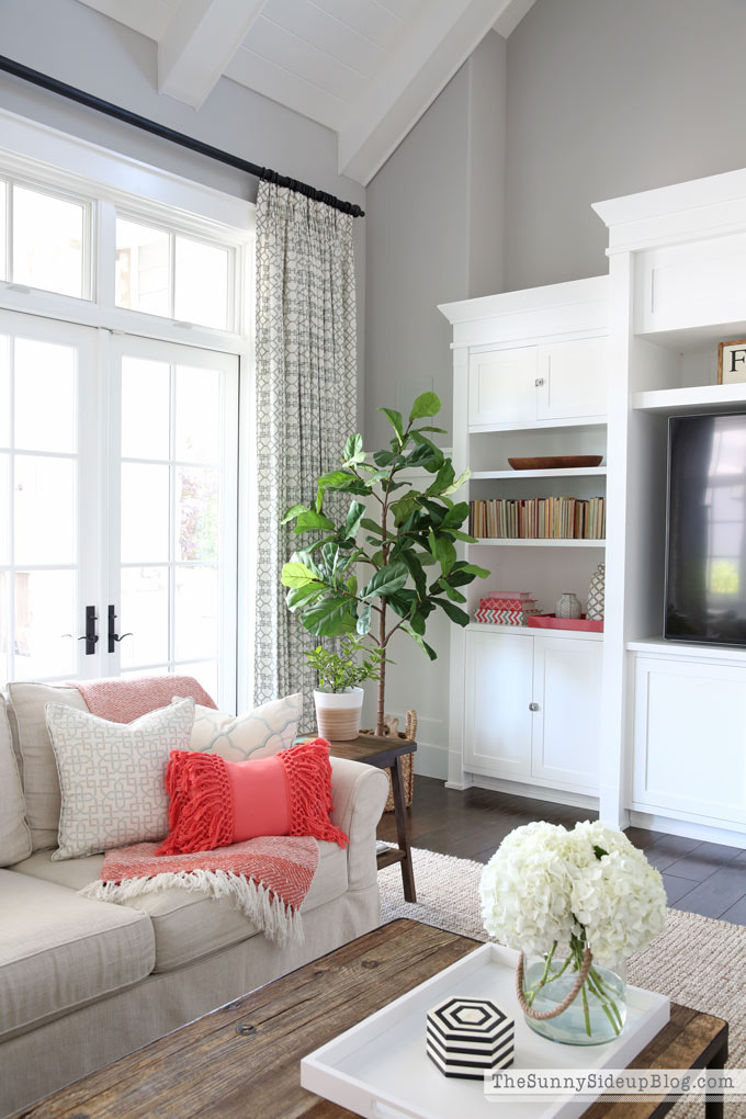 Pottery barn small space collection decor updates the sunny side up blog - Small retail space collection ...