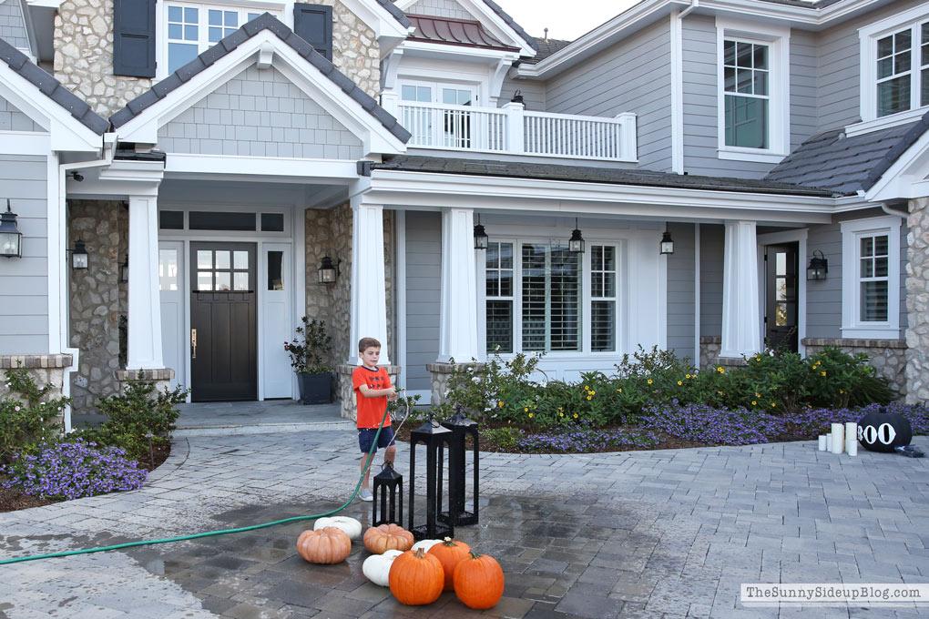 Halloween Porch Decor!