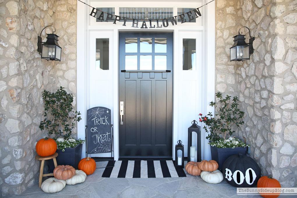 Halloween Porch Decor! (Sunny Side Up)