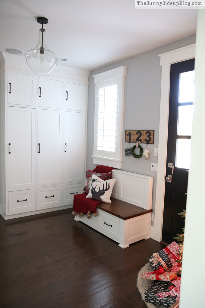 Built in mudroom cabinets and Christmas decor