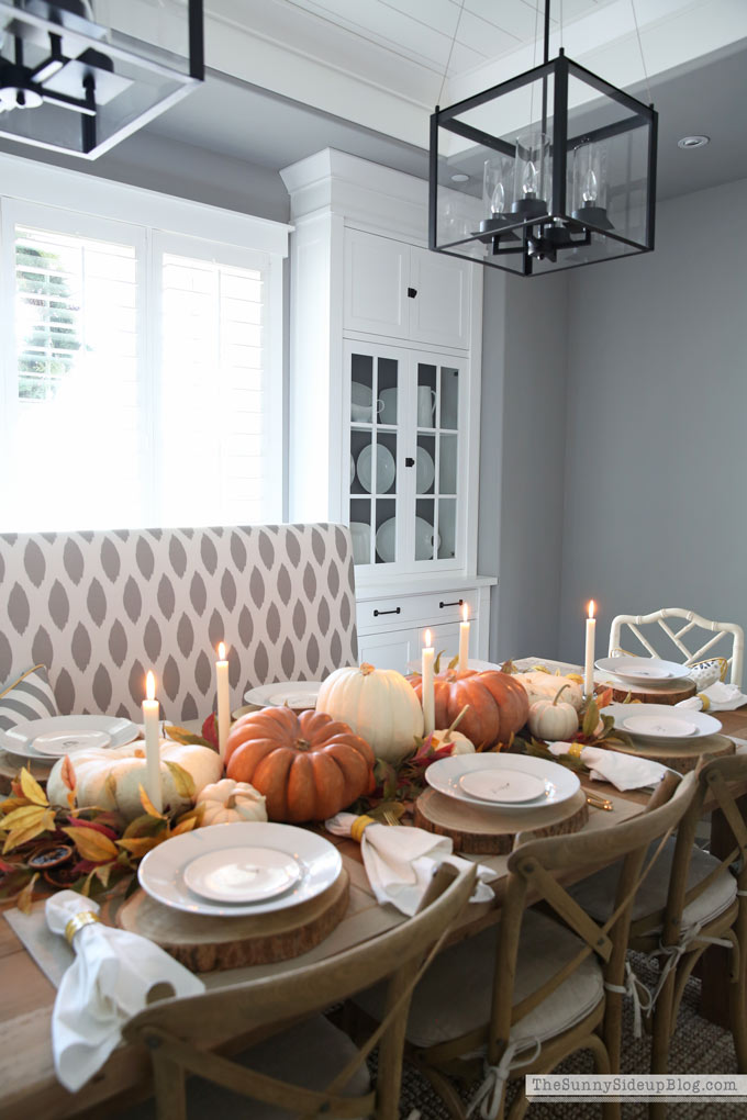 Thanksgiving Pumpkin tablescape with recess peanut butter cheesecake