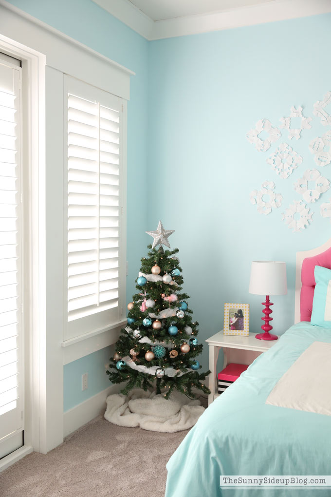 Pink and Blue teen room Christmas Decor (Sunny Side Up)