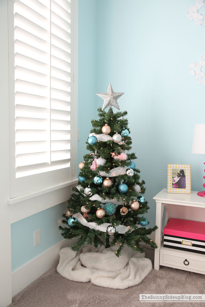 blue and pink Christmas tree