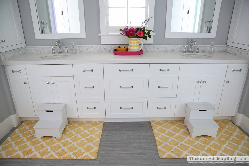 20 Easy Ways to Spring Clean - with free printable! (Sunny Side Up)