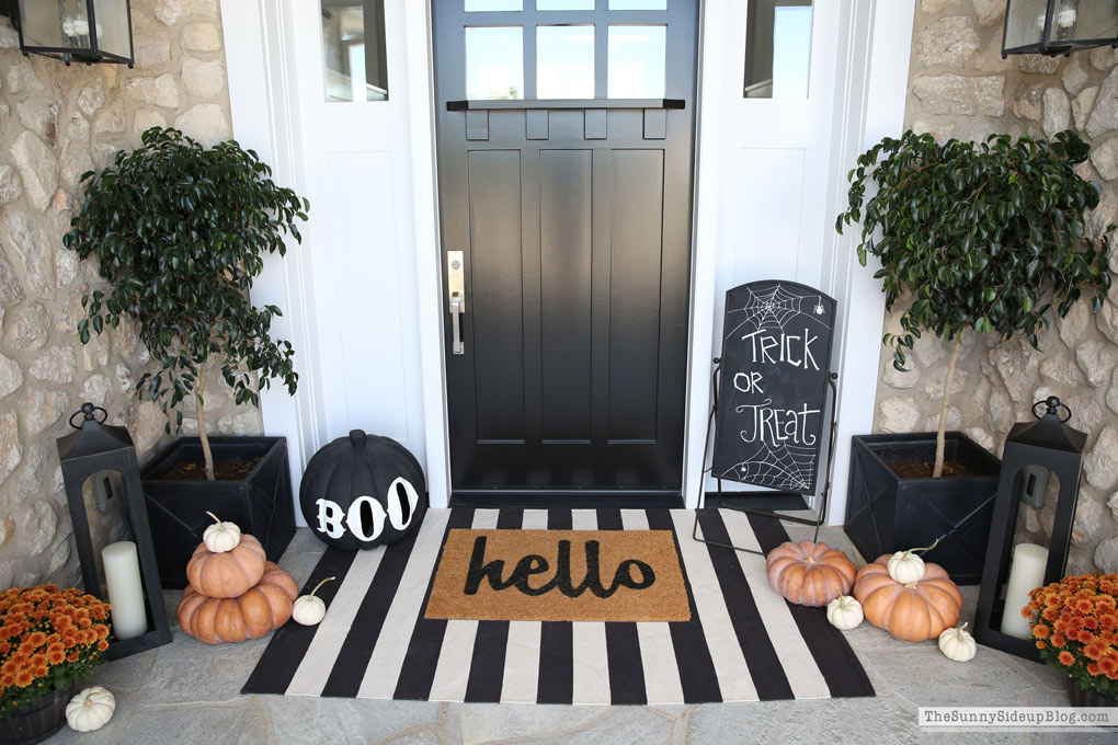 Halloween Porch and Fall Fashion