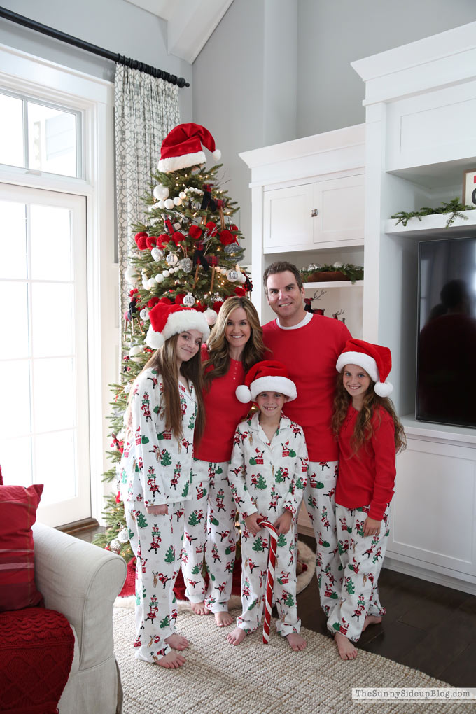 Christmas Pajamas Photoshoot.Decorating Our Tree And Fun Christmas Pj S The Sunny Side