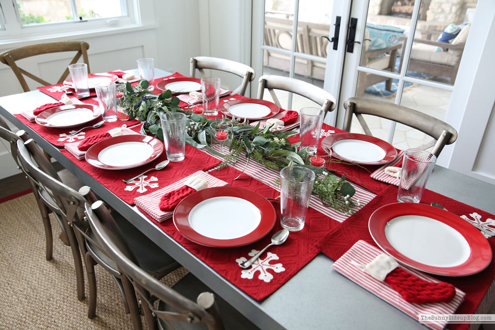 Christmas Table, Utah Pics and Cyber Sales