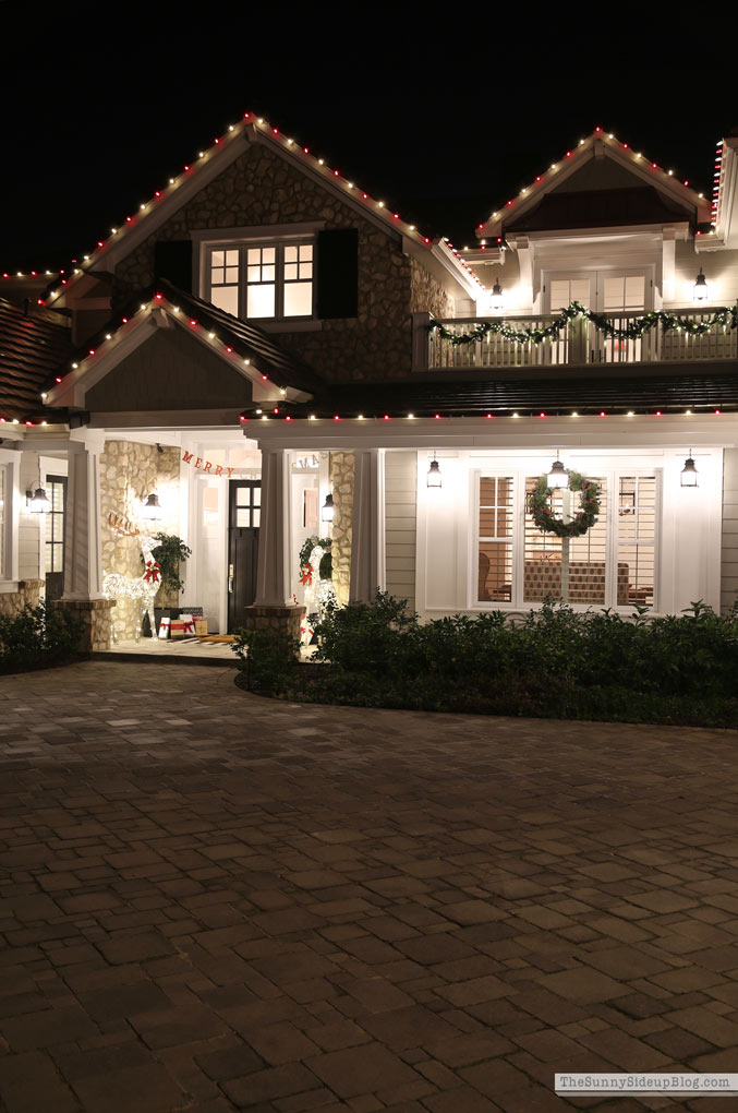 Christmas Homes at Night Tour (Sunny Side Up)