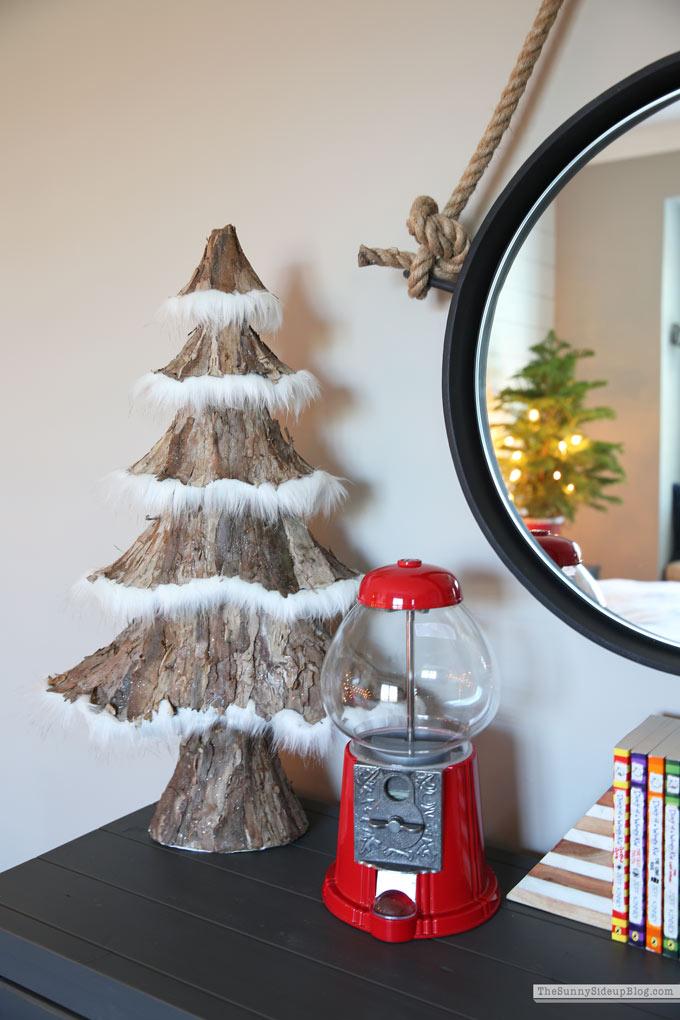 Boys Bedroom Christmas Decor (Sunny Side Up)