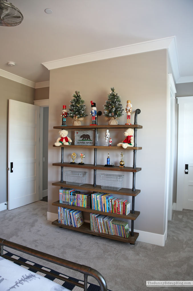 Boys Bedroom Christmas Decor (Sunny Side Up)