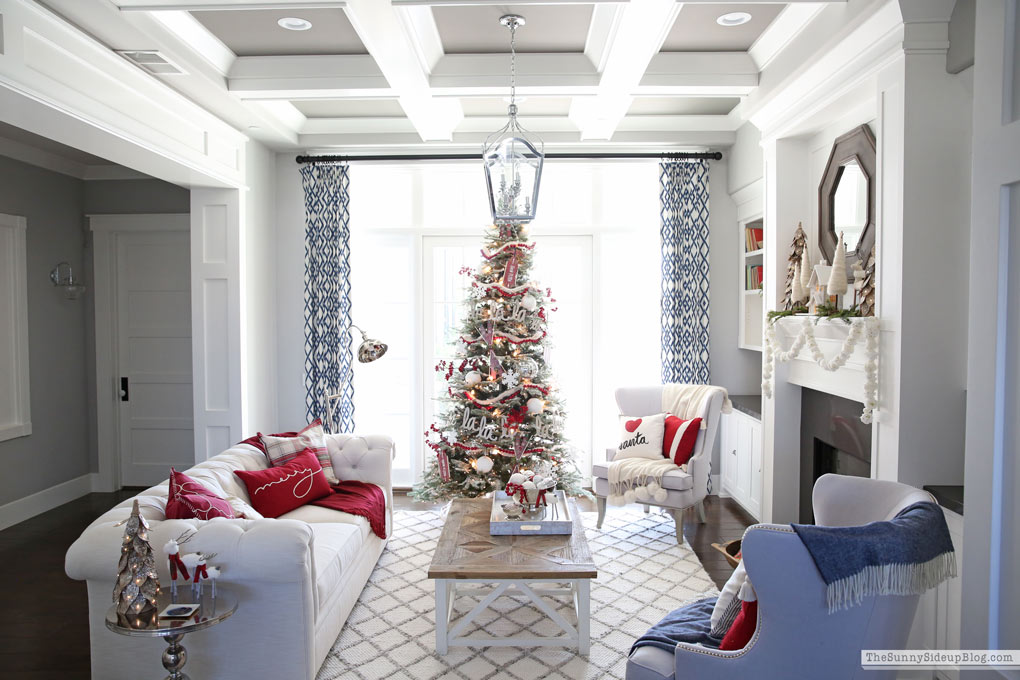 Living Room Christmas Decor - The Sunny Side Up Blog