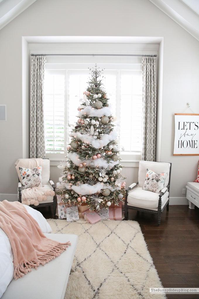Master Bedroom Christmas Decor The Sunny Side Up Blog