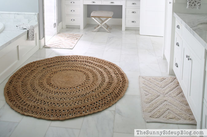 The Round Jute Rug (that looks good everywhere..)