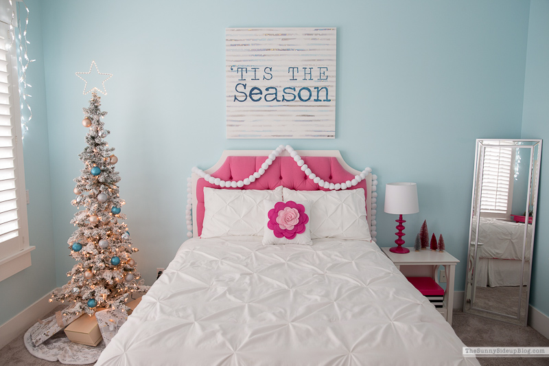 Girl's Bedroom Christmas Decor