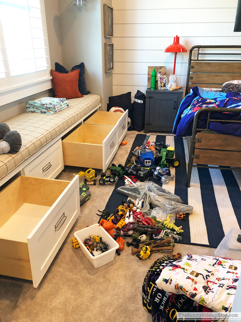 Organized Toys Boys Bedroom (Sunny Side Up)