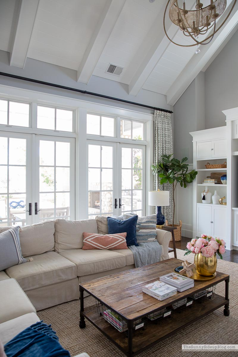 Spring Family Room (Sunny Side Up)