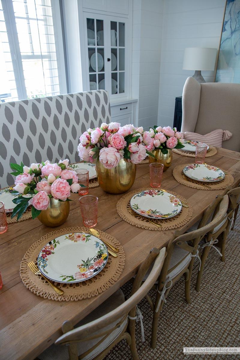 Spring/Summer Tablescape (Sunny Side Up)