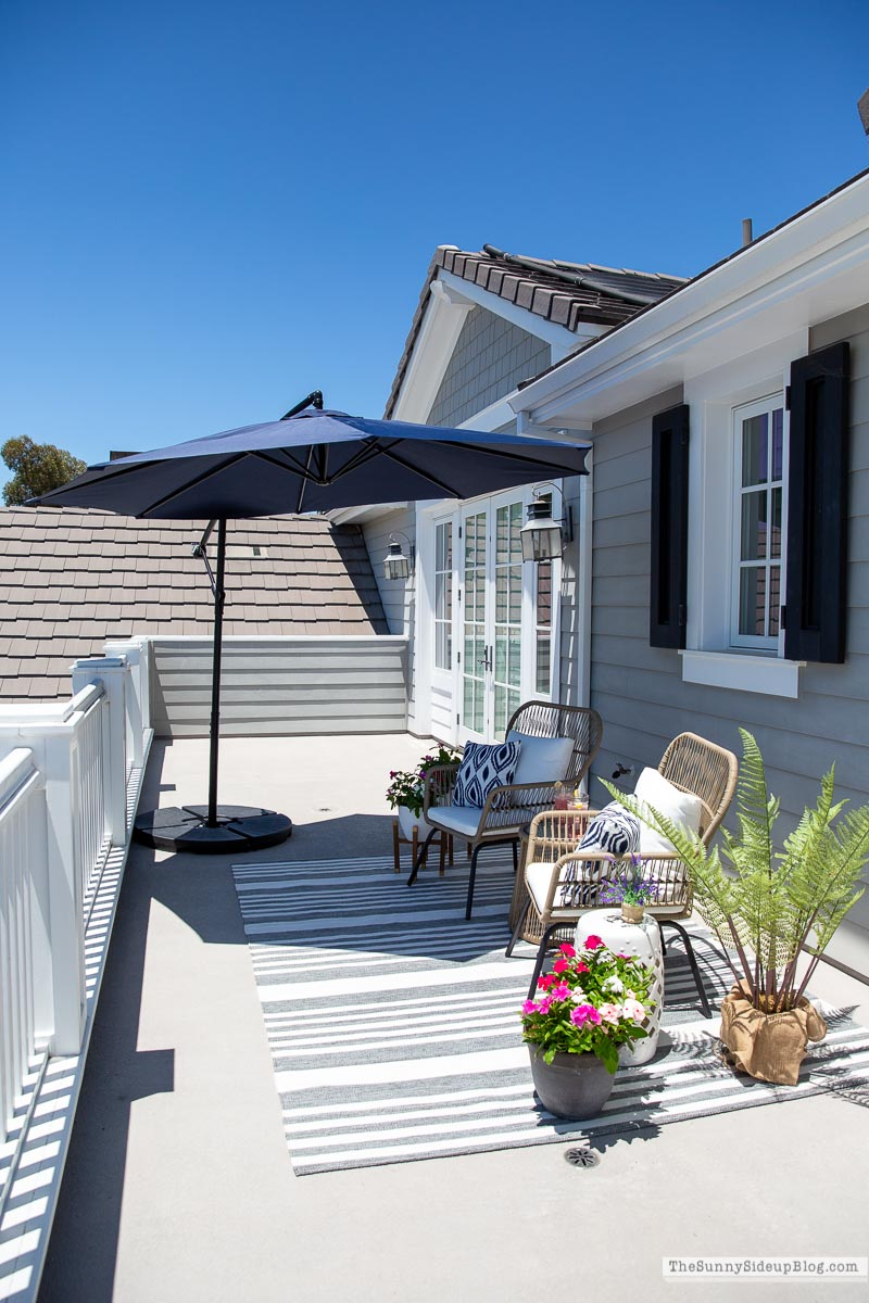 Outdoor deck (Sunny Side Up)