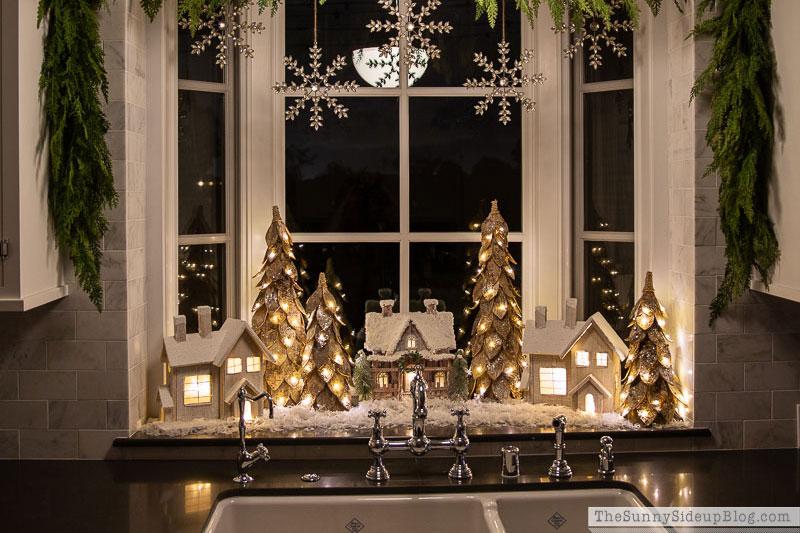 2021 Holiday Planner & Favorite Christmas Decor!